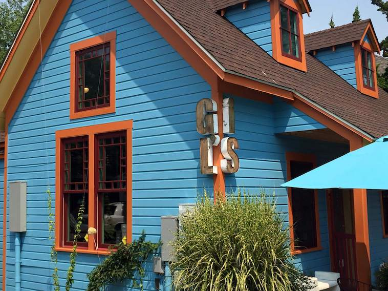 Gil\\\\\\\\\\\\\\\'s Taphouse Located in Renovated Historic House