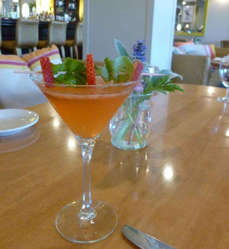 Larks Sparkling Strawberry Martini with Kissui Vodka