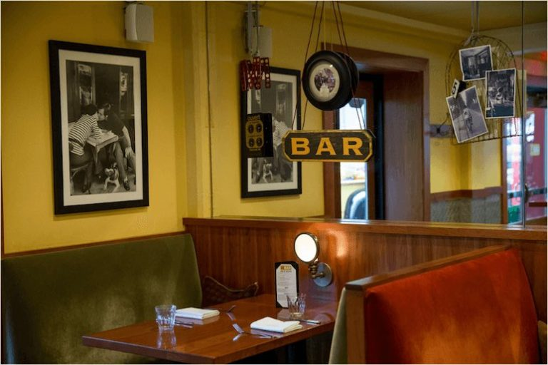 Le Bar Cozy Booth Seating
