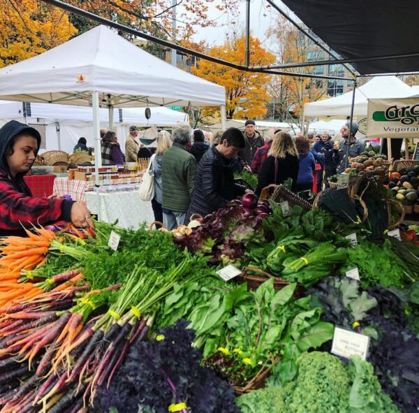 Lane Country Farmers Market 1 600x591