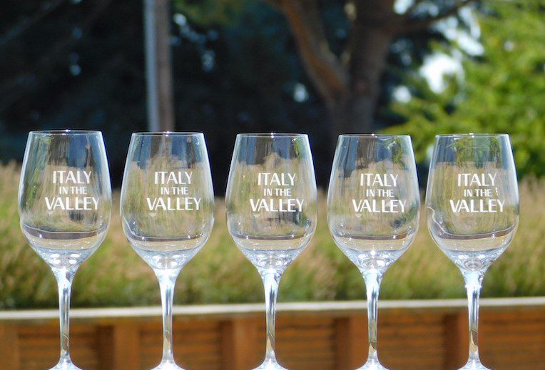 italy in the valley wine tasting