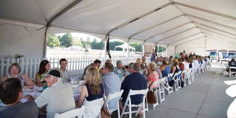 photo of dining event at Hunter Creek Farm