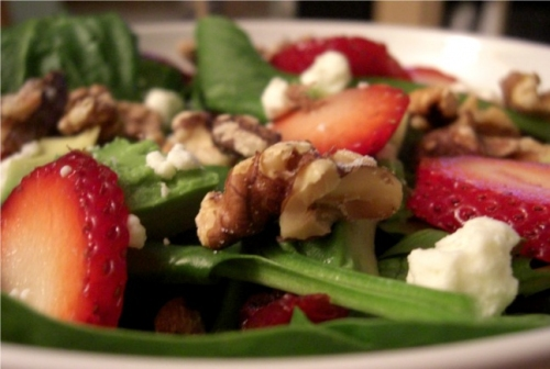 Strawberry_Spinach_Salad_with_Feta_and_Walnuts_by_Benita_Ki